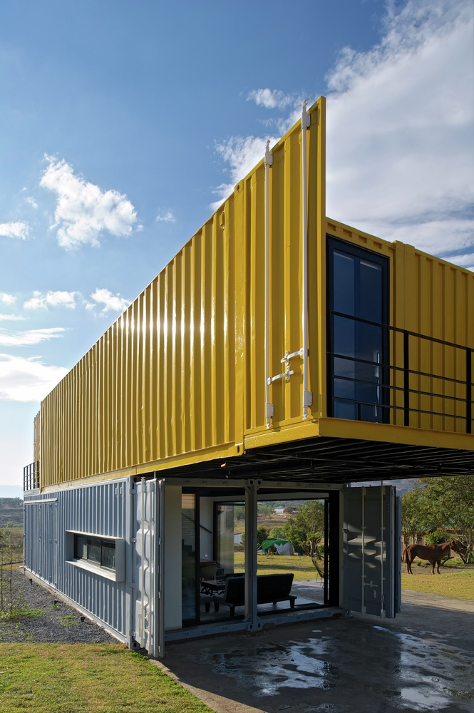 Space Dilemma? Find an Immediate Solution With Our Containers, Space Dilemma?  Find an Immediate Solution With Containers